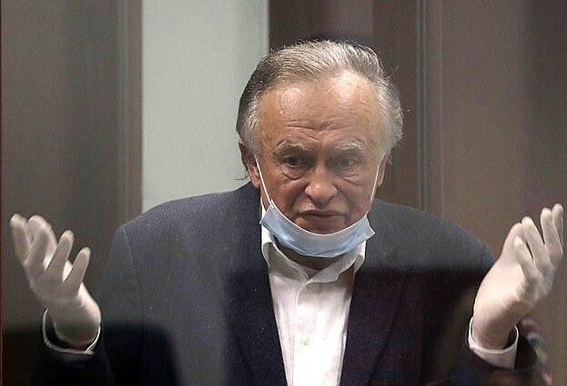 Bị cáo Sokolov tại tòa án St. Petersburg, Nga