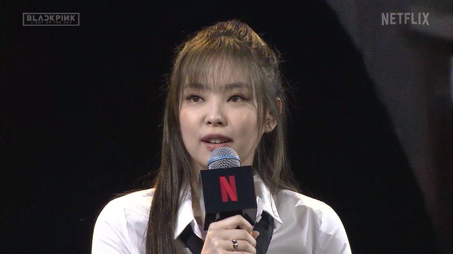 Ji Soo đánh mất phong độ visual, để Rosé lấn lướt trong họp báo - 4