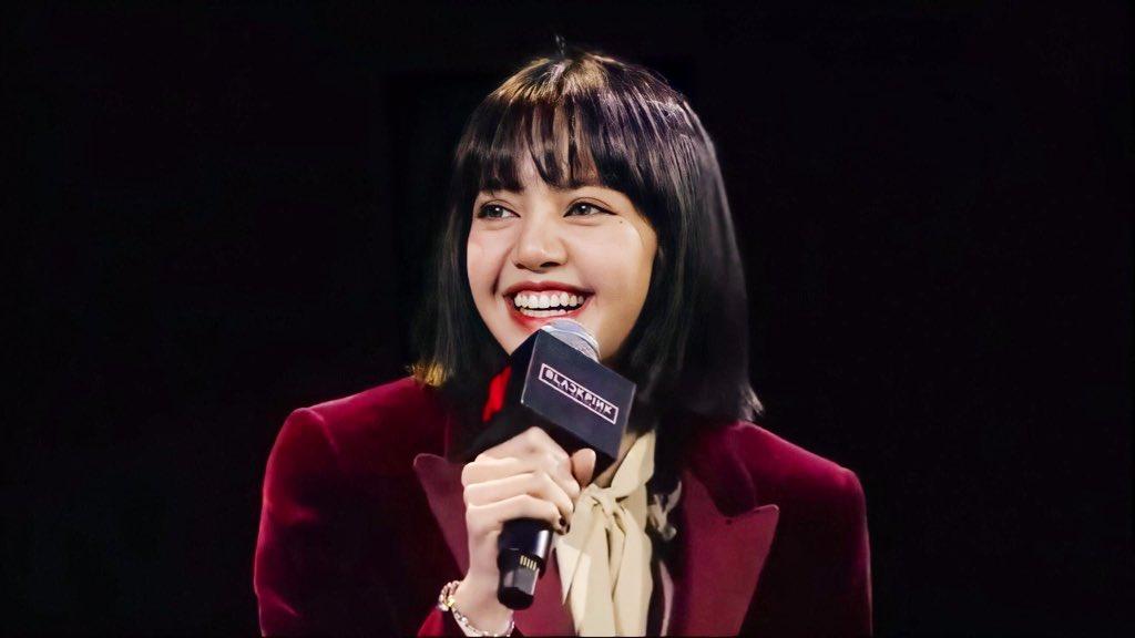 Ji Soo đánh mất phong độ visual, để Rosé lấn lướt trong họp báo - 6