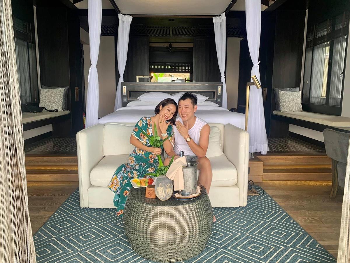 Khu nghỉ dưỡng Ốc Thanh Vân chọn có bãi biển riêng. Yêu thiên nhiên nên vợ chồng Ốc thích không gian, cách bài trí tại đây vì resort sử dụng những vật liệu tự nhiên đến từ địa phương khi xây dựng.