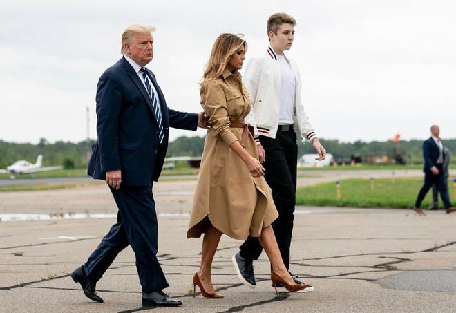 Barron xuất hiện cùng bố mẹ hồi tháng 8. Ảnh: New York Times.