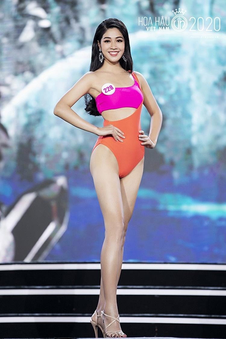 Vân Ly sở hữu số đo ba vòng 85-65-95 cm, thuộc số ít những thí sinh sở hữu body đẹp ở cuộc thi năm nay.