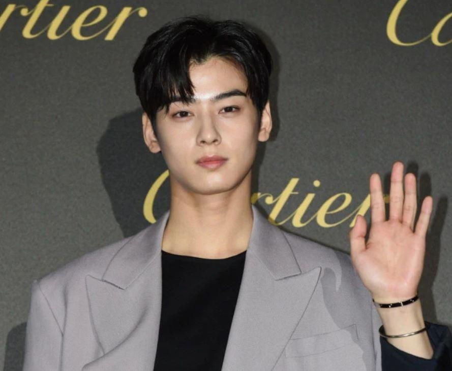 L, Cha Eun Woo, Kang Daniel: Ai đeo vòng tay chất hơn? - 6