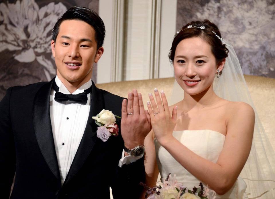 Daiya Seto kết hôn với VĐV bơi lội Yuka Mabuchi năm 2017.