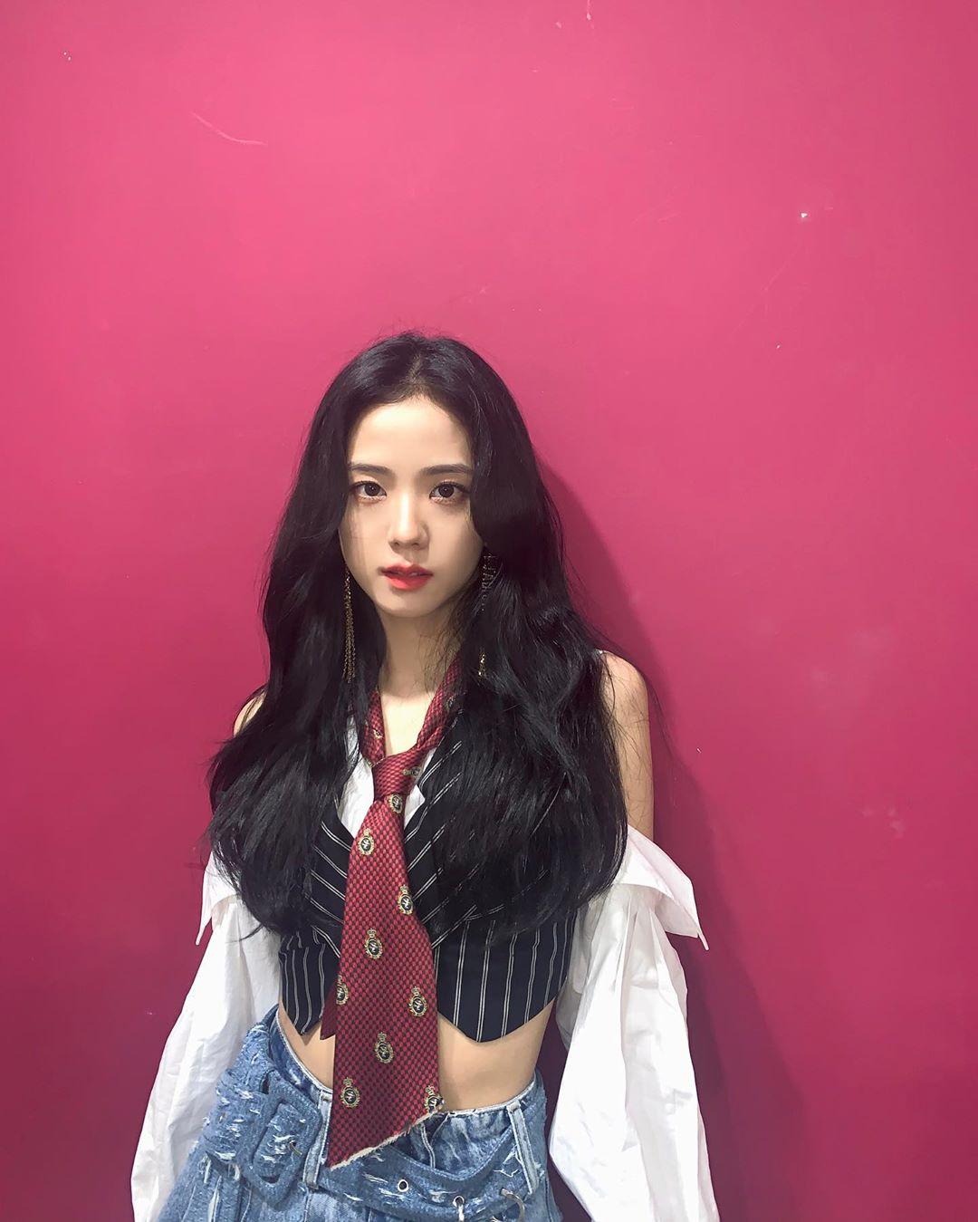 Gương mặt Ji Soo được cho là đã giảm cân đáng kể.