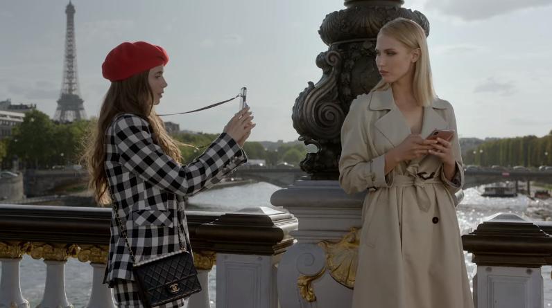 Những chi tiết phi thực tế khiến Emily in Paris bị chỉ trích là xúc phạm nước Pháp - 11