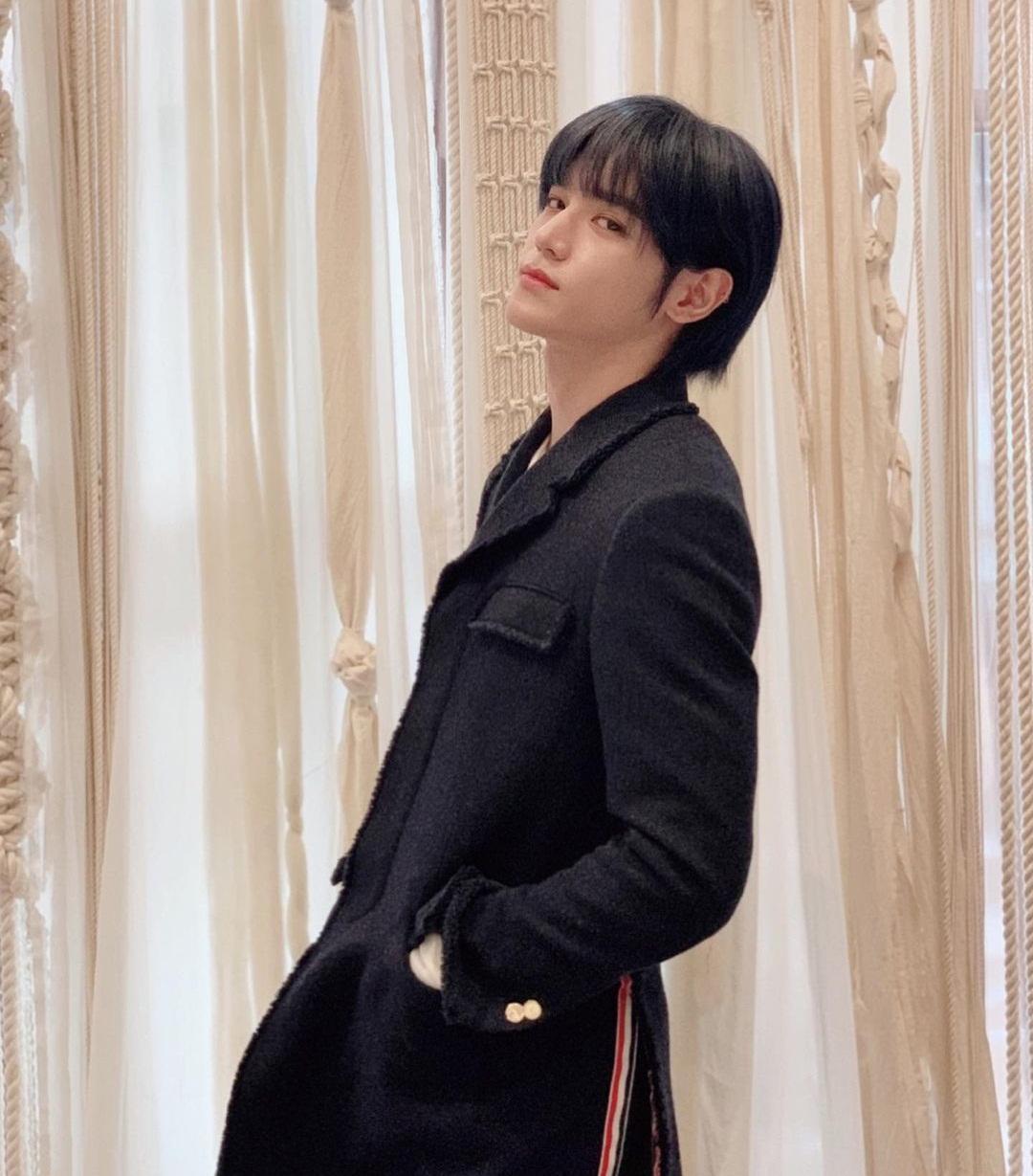 Tae Yong gây hốt hoảng vì bỗng nữ tính đến lạ với mái tóc bob.