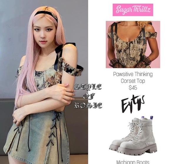 Rosé mặc áo thun của Sugar Thrillz có giá 45 USD, boots Eytys có giá 380 USD.