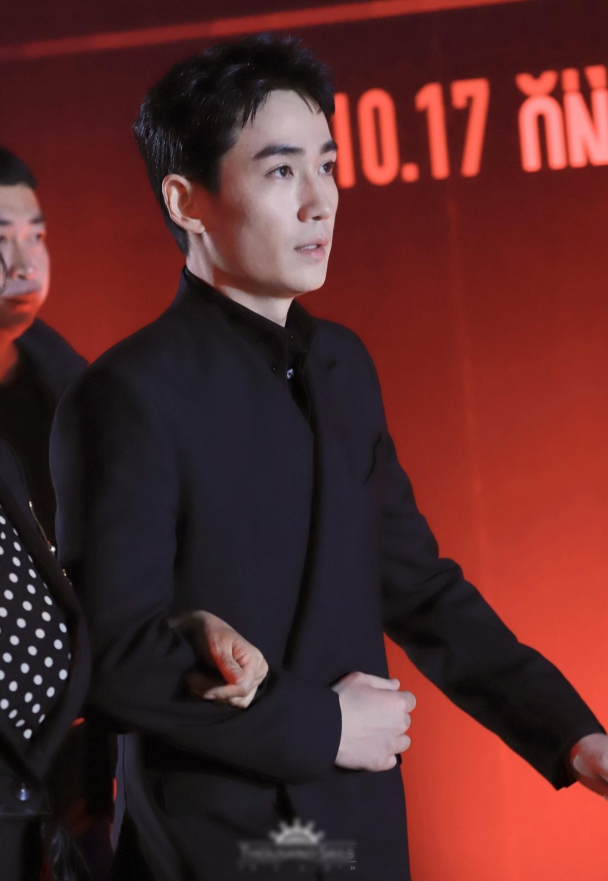 Chu Nhất Long lần đầu dự sự kiện công khai sau scandal bí mật lấy vợ sinh con.