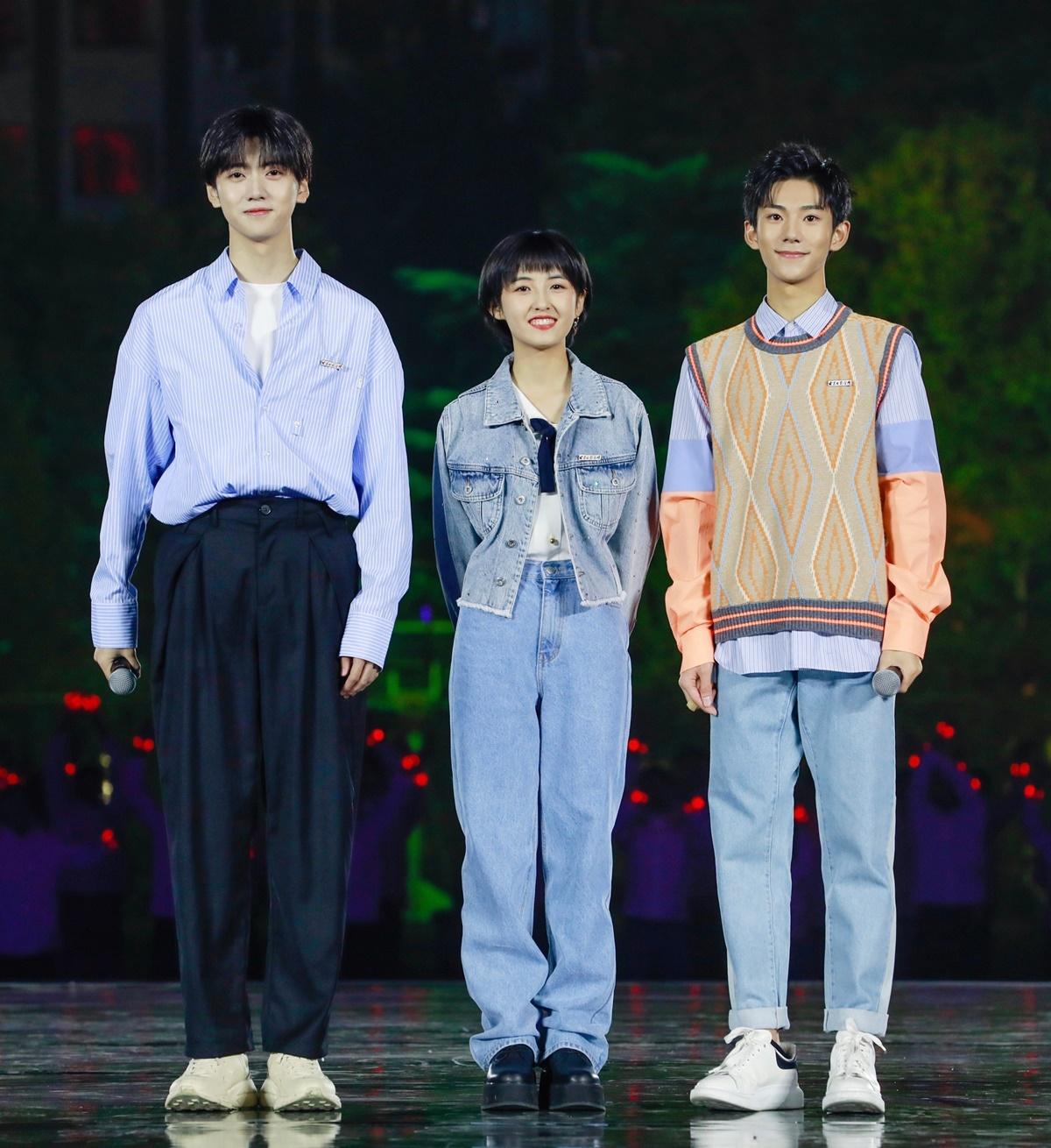 Ba ngôi sao 10x là tân sinh viên khóa 2020 của Học viện Điện ảnh Bắc Kinh: Yên Hủ Gia, Trương Tử Phong, Lưu Gia Vỹ.
