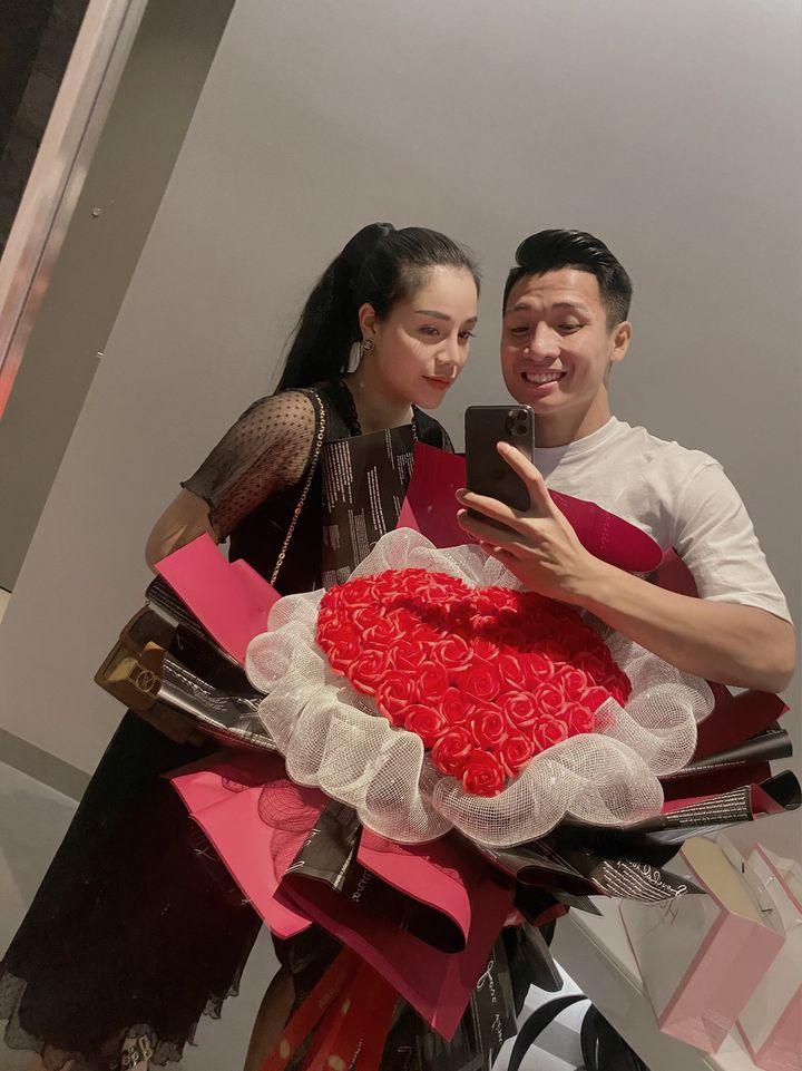 Đăng ảnh ngọt ngào, Khánh Linh thừa nhận có thái độ vớ vẩn với Bùi Tiến Dũng