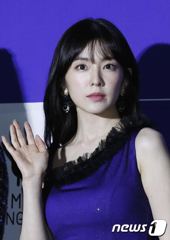 Irene mất danh hiệu visual vào tay Joy trên thảm đỏ - 6