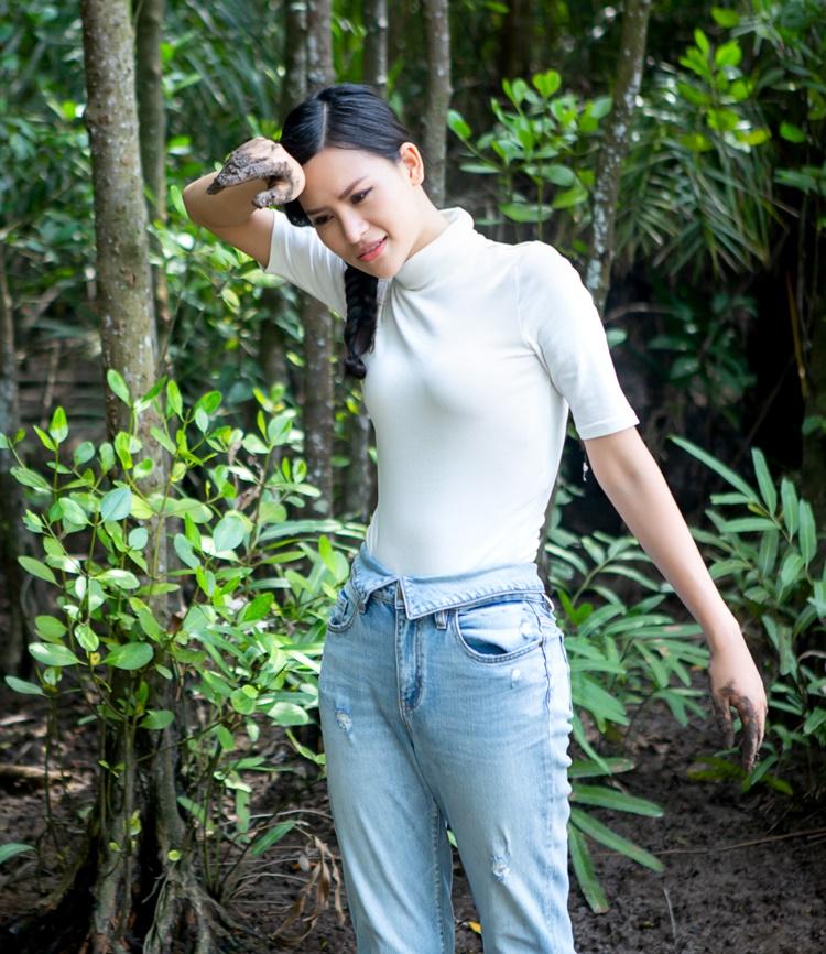 Tôi muốn góp thêm tiếng nói về môi trường, kêu gọi ngưng tàn phá thiên nhiên - trong đó có chặt phá rừng, cô nói.