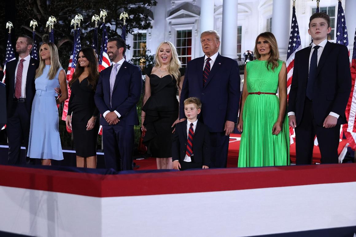 Theo Politico, người được hưởng lợi nhiều nhất từ nhiệm kỳ chính trị của Trump chính là con cái của ông. Nhà Trắng là nơi đã đưa con của Trump đến với các chính trị gia, người tài trợ và cư tri Cộng hòa. 4 năm của Tổng thống Trump cũng giúp thúc đẩy khát vọng chính trị tiềm năng của các con, trong khi giúp công ty của gia đình ông nổi tiếng và có nhiều cơ hội hợp tác hơn trên toàn cầu.