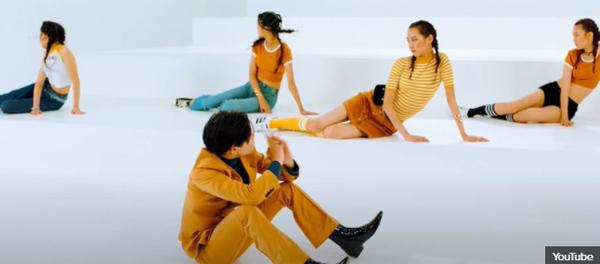 Phong cách MV này là đặc trưng của nhà SM, JYP hay YG? - 19