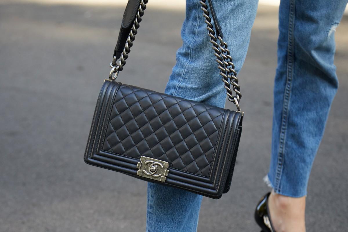 Một trong những chiếc túi biểu tượng của Chanel.