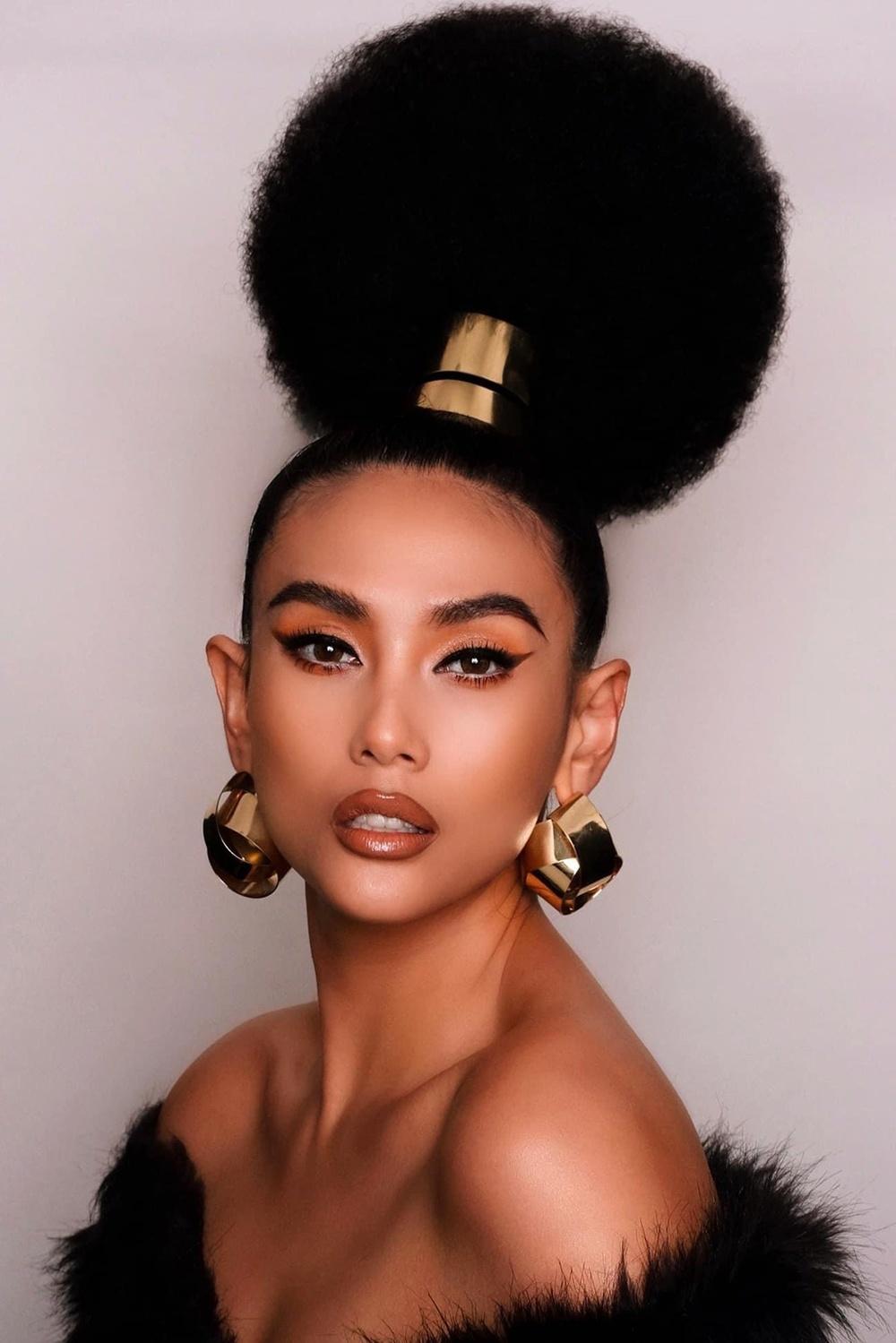 Võ Hoàng Yến làm tóc xù bông trông cũng lạ mắt nhưng bị ví với cây bonsai sum suê.