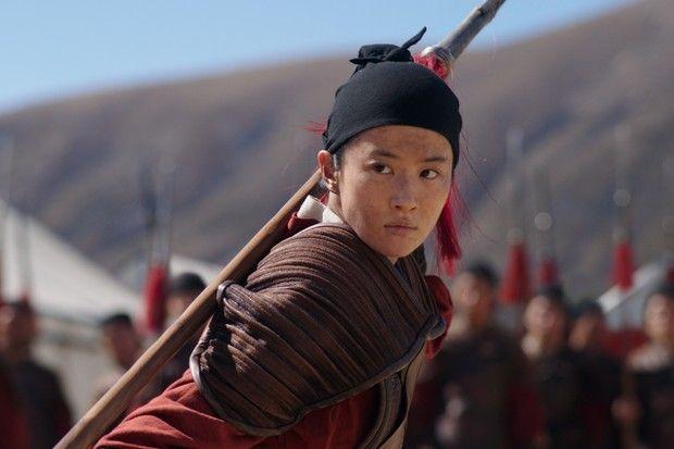 Mulan cùng Lưu Diệc Phi nhận được các giải thưởng điện ảnh quốc tế.