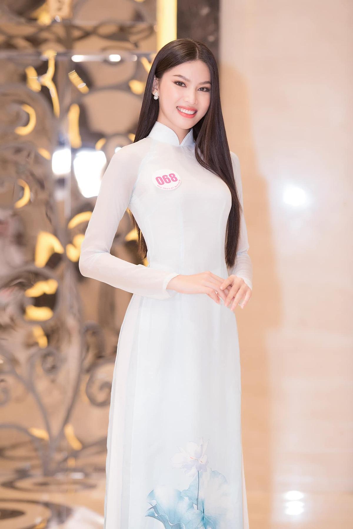 Nhan sắc, học vấn ấn tượng của hai nàng Á hậu Việt Nam 2020 - 18