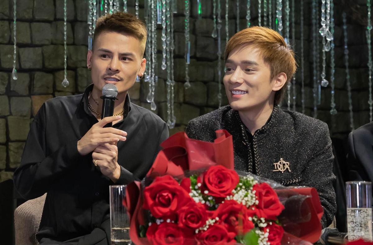 Hoa Vinh (trái) là anh em thân thiết của Nhật Phong.