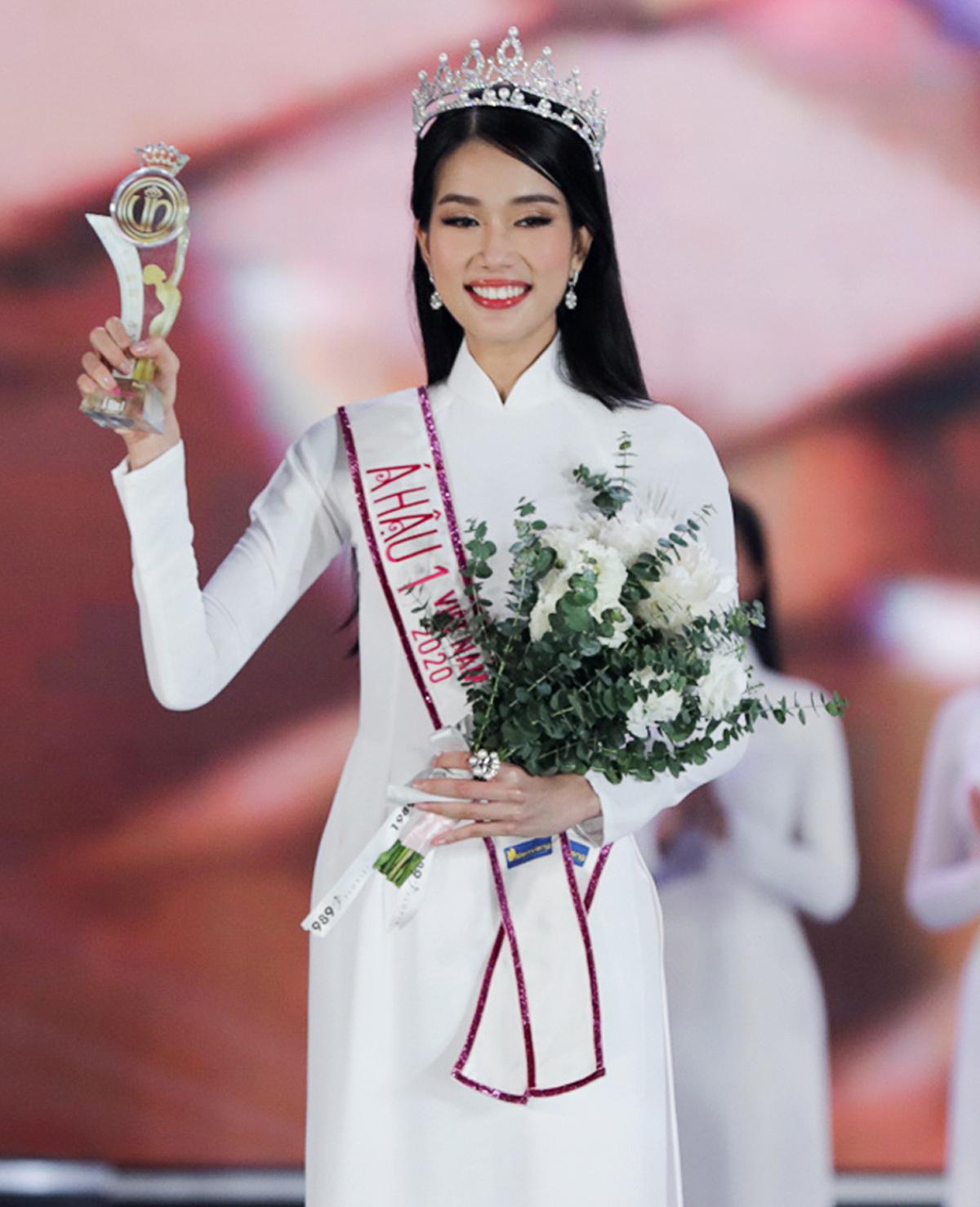 Nhan sắc, học vấn ấn tượng của hai nàng Á hậu Việt Nam 2020