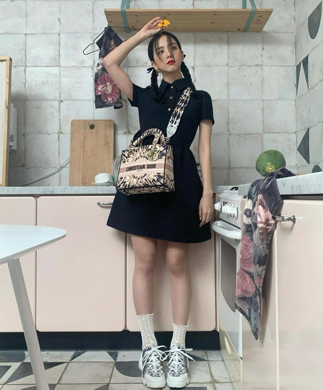 Ji Soo đáng yêu trong