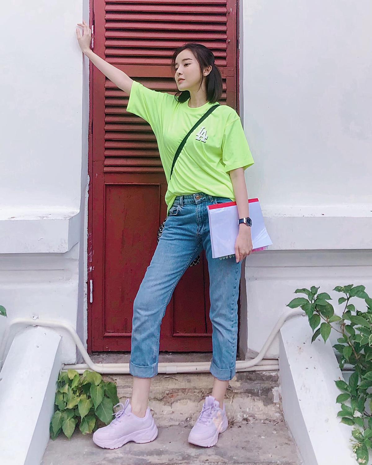 Nhiều hình ảnh của Cao Thái Hà không khác gì những cô sinh viên khỏe khoắn.