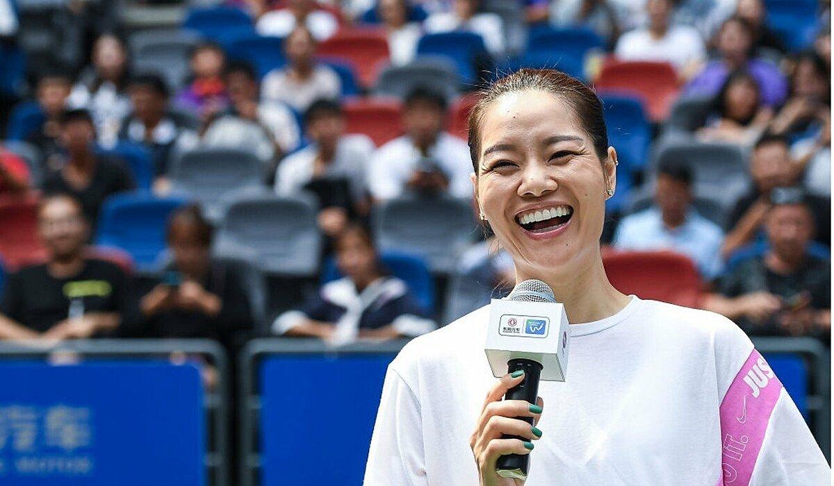 Li Na trong một sự kiện ở Vũ Hán, Trung Quốc năm 2019.