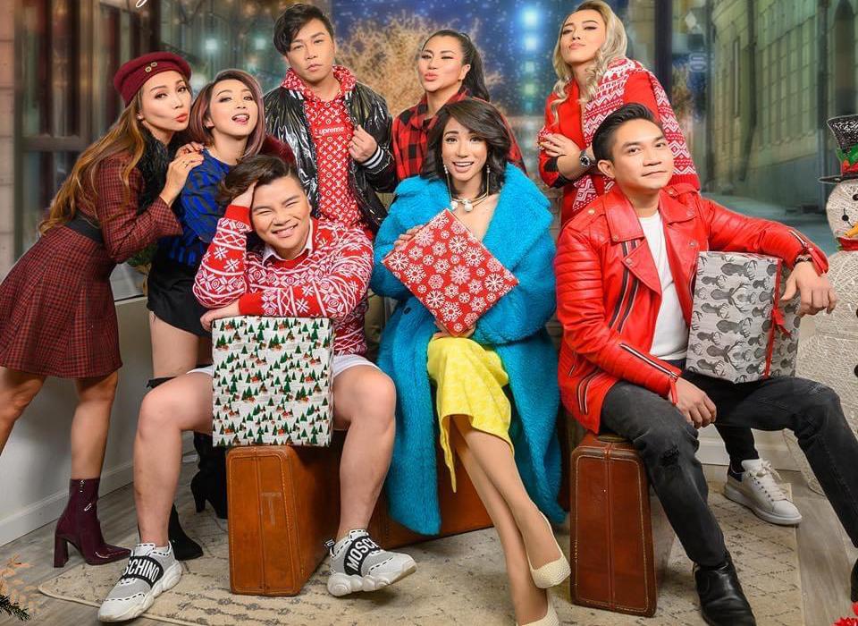 Các thành viên trong MV Giáng sinh vui nhộn.