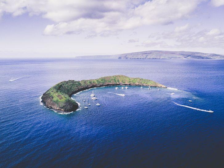 Những hòn đảo lạ lùng hình cá ngựa, gà, pizza... - 12