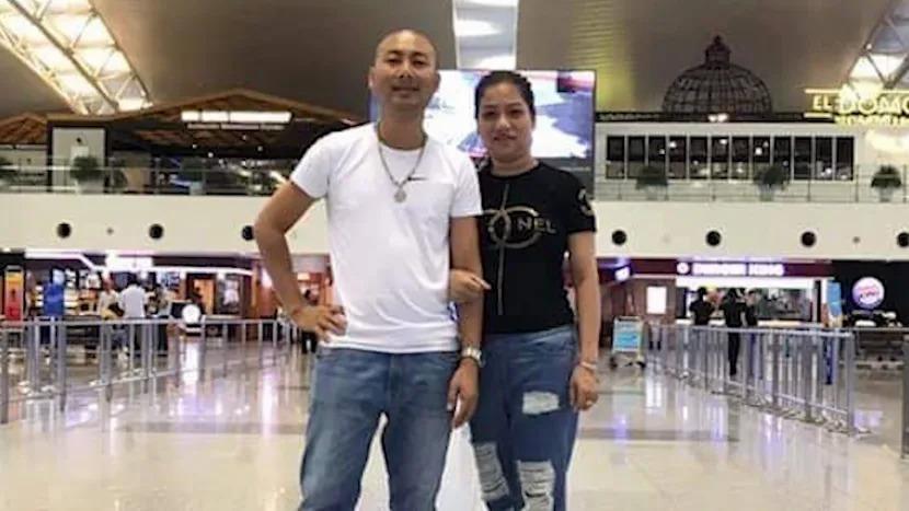 Anh Trần Hải Lộc và chị  Nguyễn Thị Vân chụp ảnh tại sân bay trước khi bay ra nước ngoài, rồi tử vong trong container hồi tháng 10/2019.