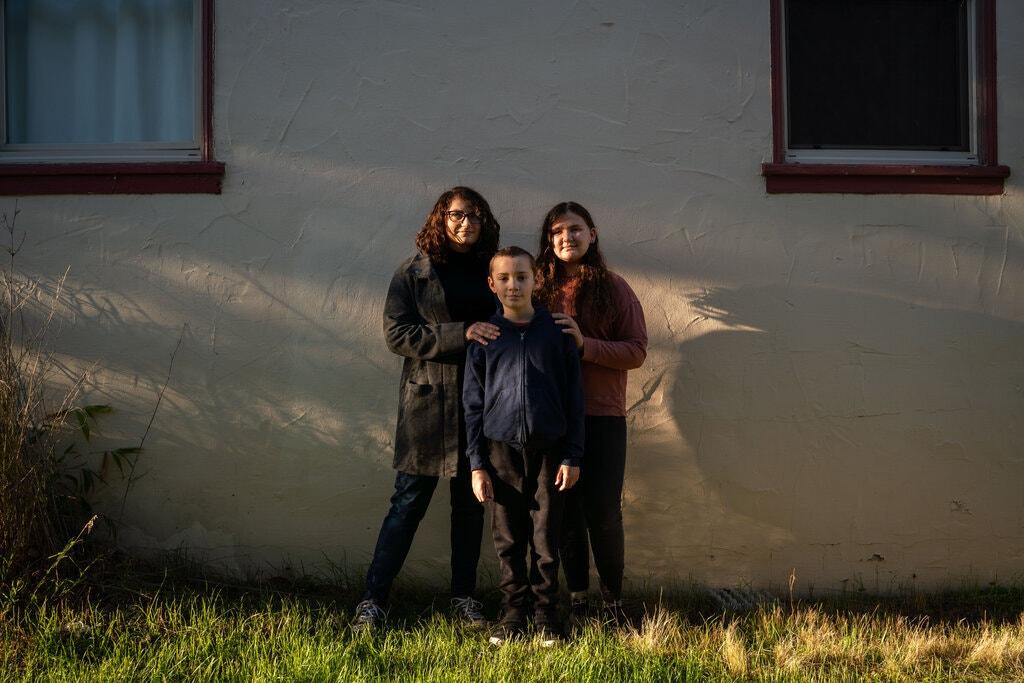 Jessica Hudson, cùng các con của cô, Emerson và Marleigh.