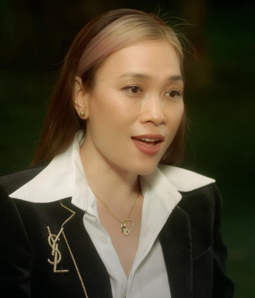 Không nằm ngoài xu hướng chung, nhiều sao Việt cũng thử nghiệm style nhuộm mái để làm mới diện mạo. Mỹ Tâm gây bất ngờ với màn hack tuổi nhờ kiểu tóc mái bạch kim đậm cảm hứng Jennie.