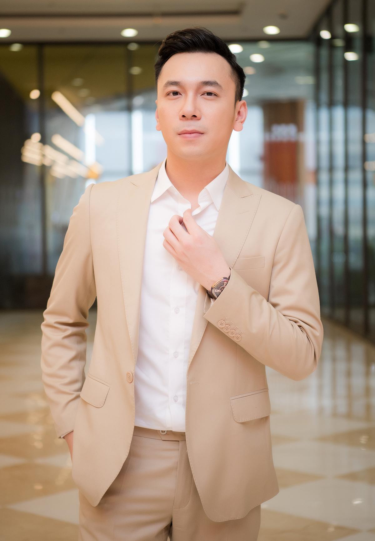 Lê Việt Anh ra mắt ca khúc lấy cảm hứng từ chuyện tình Hà Hồ - Kim Lý - 2