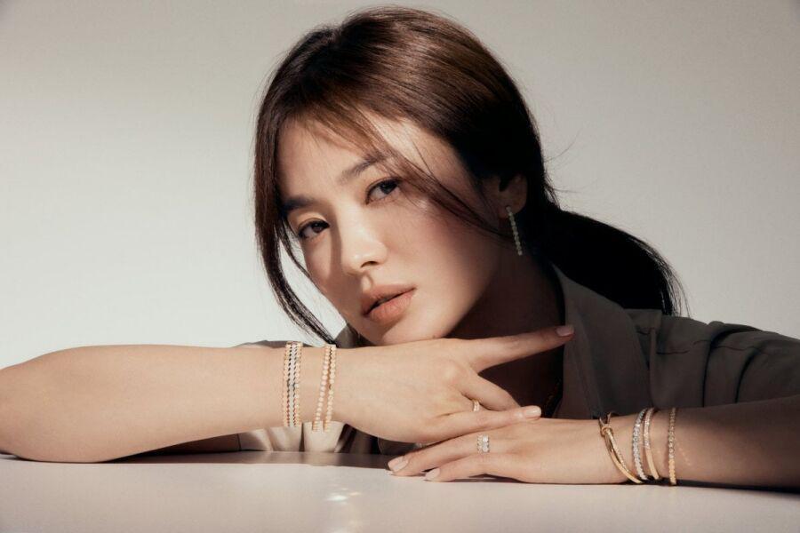 Song Hye Kyo cũng trở lại màn ảnh nhỏ sau khi ly hôn.