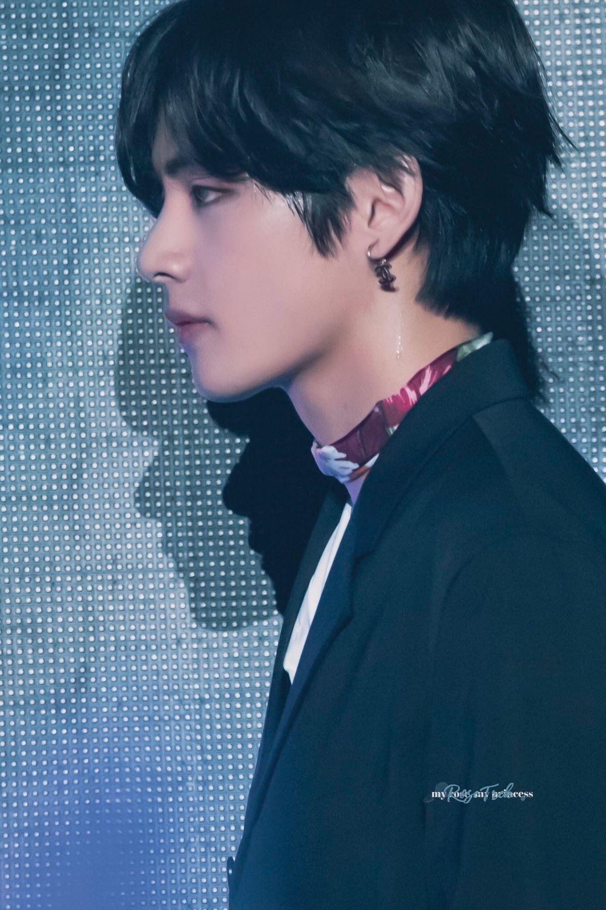 Những idol Kpop đẹp đến mức cái bóng cũng như búp bê - 6