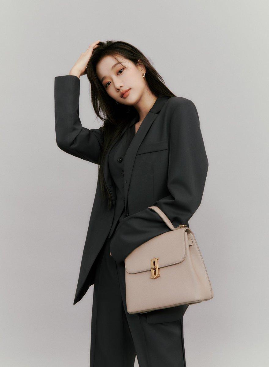 Nhờ việc đóng phim, Na Eun (April) dần được biết đến hơn, từ đó giúp nâng cao danh tiếng của nhóm.