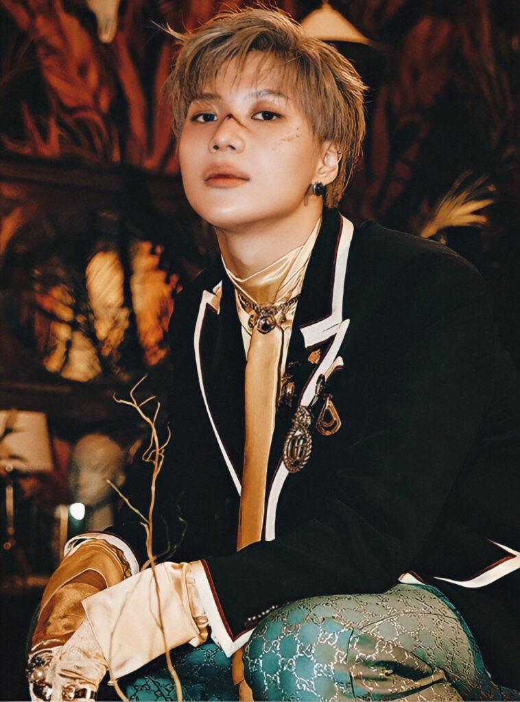 Cậu út Tae Min đại diện cho súc hút độc đáo của riêng SHINee, anh chàng còn thành công khi debut solo.