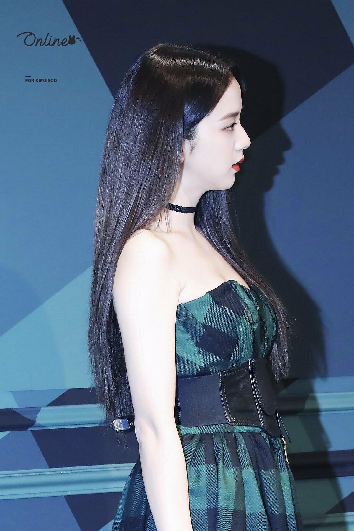 4 idol Kpop đẹp đến mức cái bóng cũng như búp bê - 10