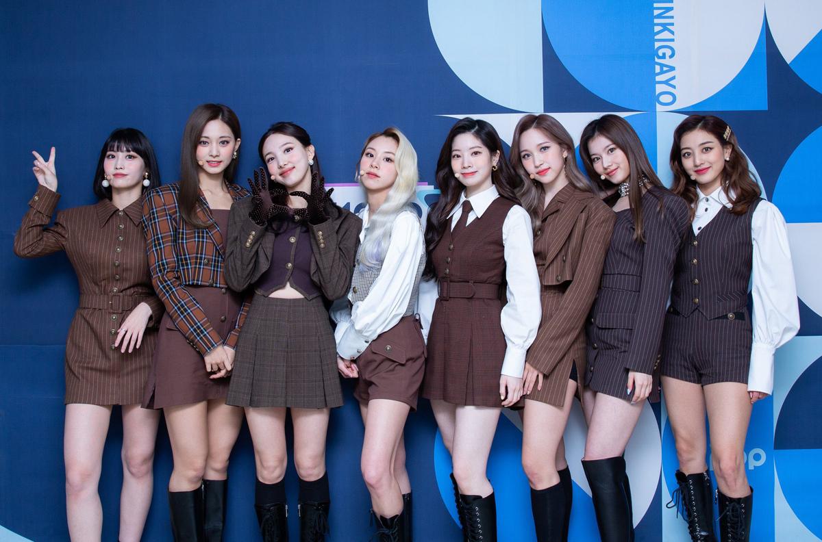 Nhờ khâu trang phục thay đổi rõ rệt, gần đây visual của Twice cũng được thăng hạng.