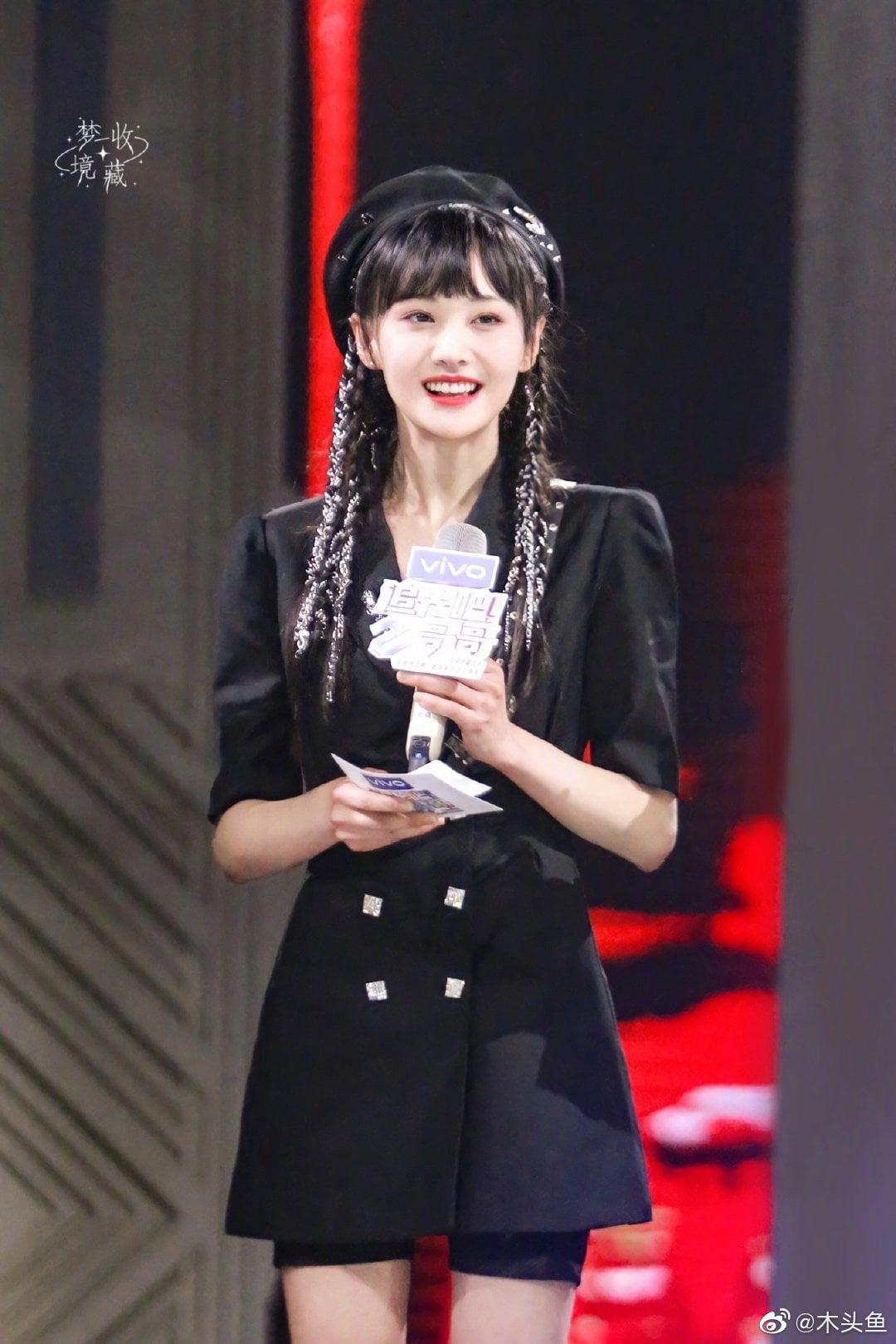 Trịnh Sảng thành công chúa hot search với bài đăng xin lỗi cồng kềnh - 2