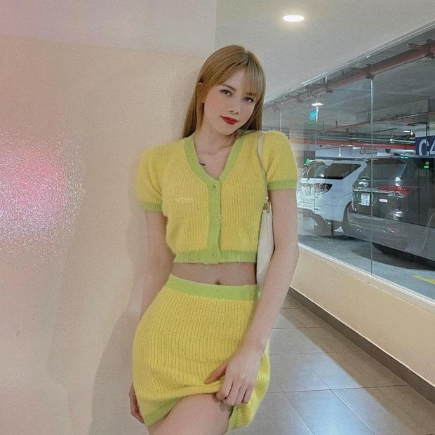 Nhờ Thiều Bảo Trâm lăng xê, set đồ dệt kim màu vàng chanh vui mắt của The Fancy được rần rần người mua theo.