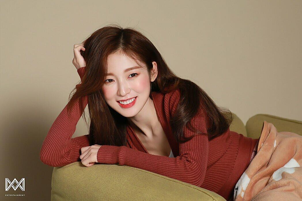 Nhóm nữ Gen 3 khiến netizen mệt mỏi vì không biết ai là visual - 2