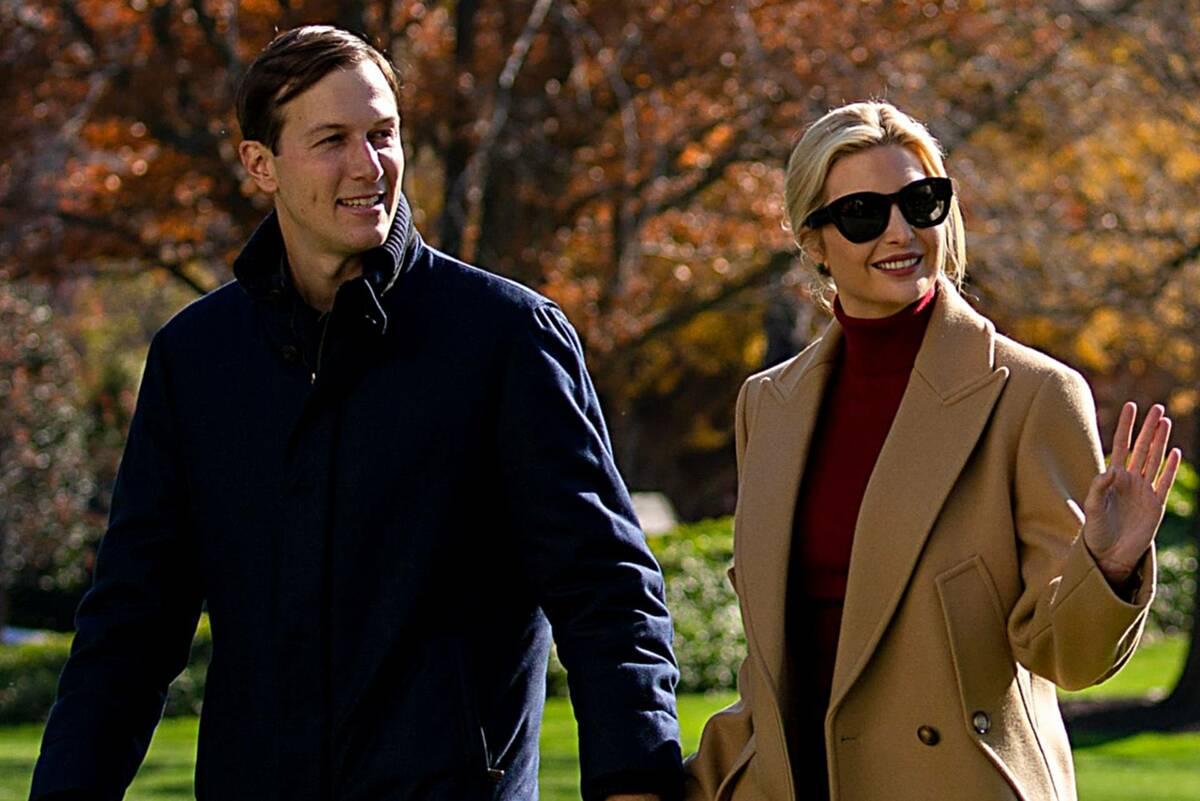 Vợ chồng Ivanka tại bãi cỏ phía nam Nhà Trắng hôm 29/11. Ảnh:AFP.