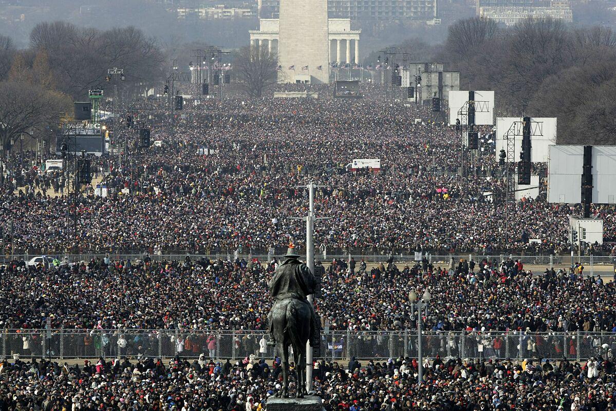 Lễ nhậm chức của Tổng thống Barack Obama có sự tham dự của cả triệu người. Ảnh: AFP.