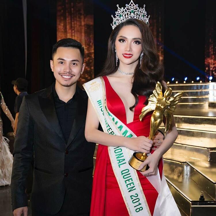 Thanh Phong là người hỗ trợ Hương Giang thi Hoa hậu Chuyển giới Quốc tế 2018.