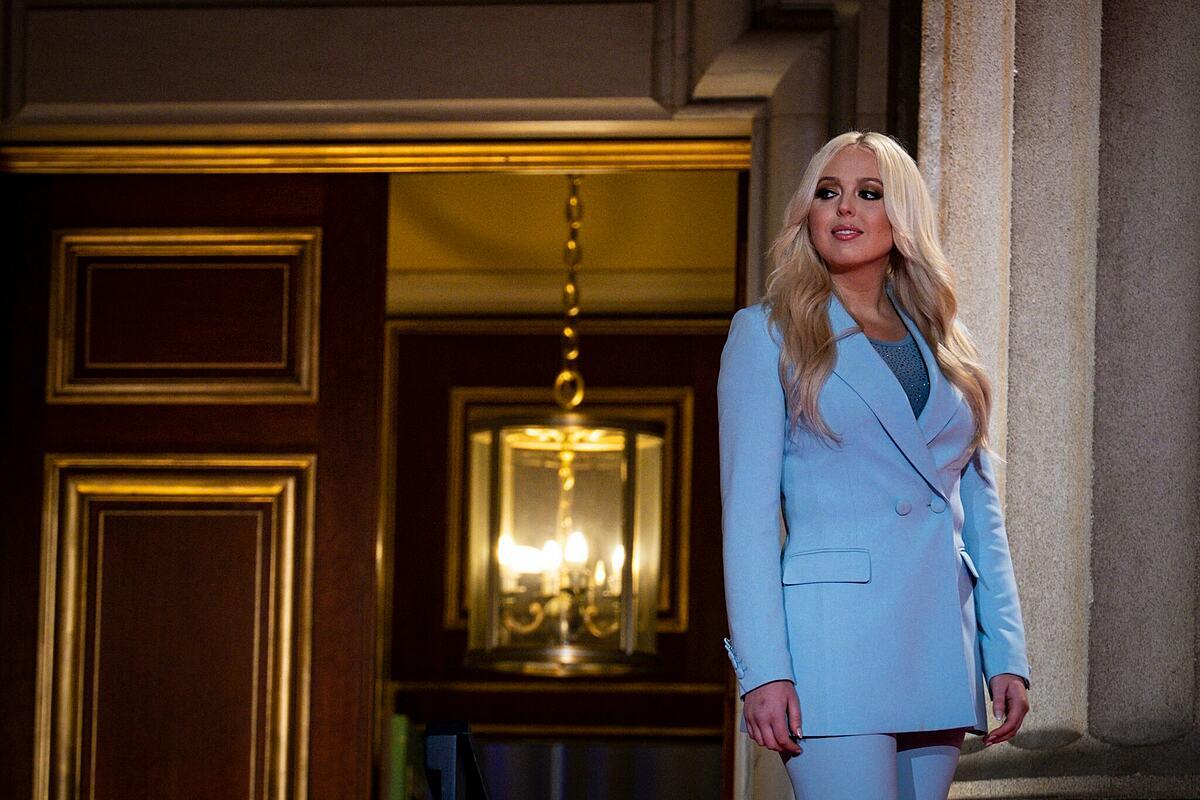 Tiffany Trump nổi tiếng với cuộc sống xa hoa, trải đầy và những đặc quyền của con gái tổng thống.