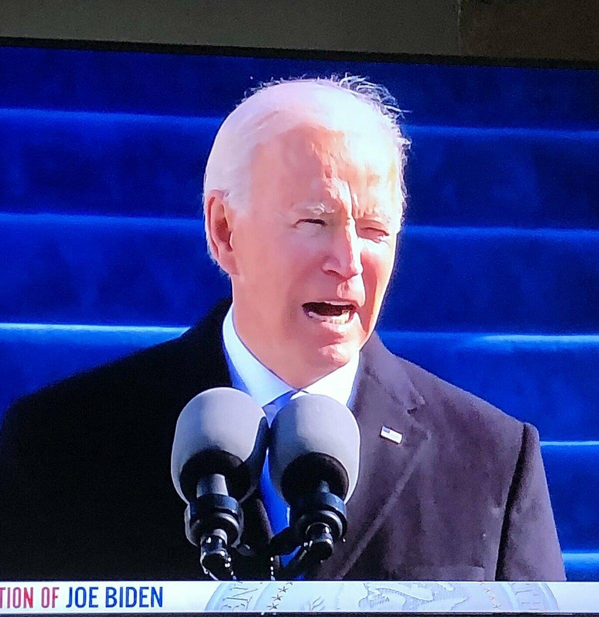 Joe Biden bị chế ảnh vì tóc te tua trong ngày nhậm chức Tổng thống - 3