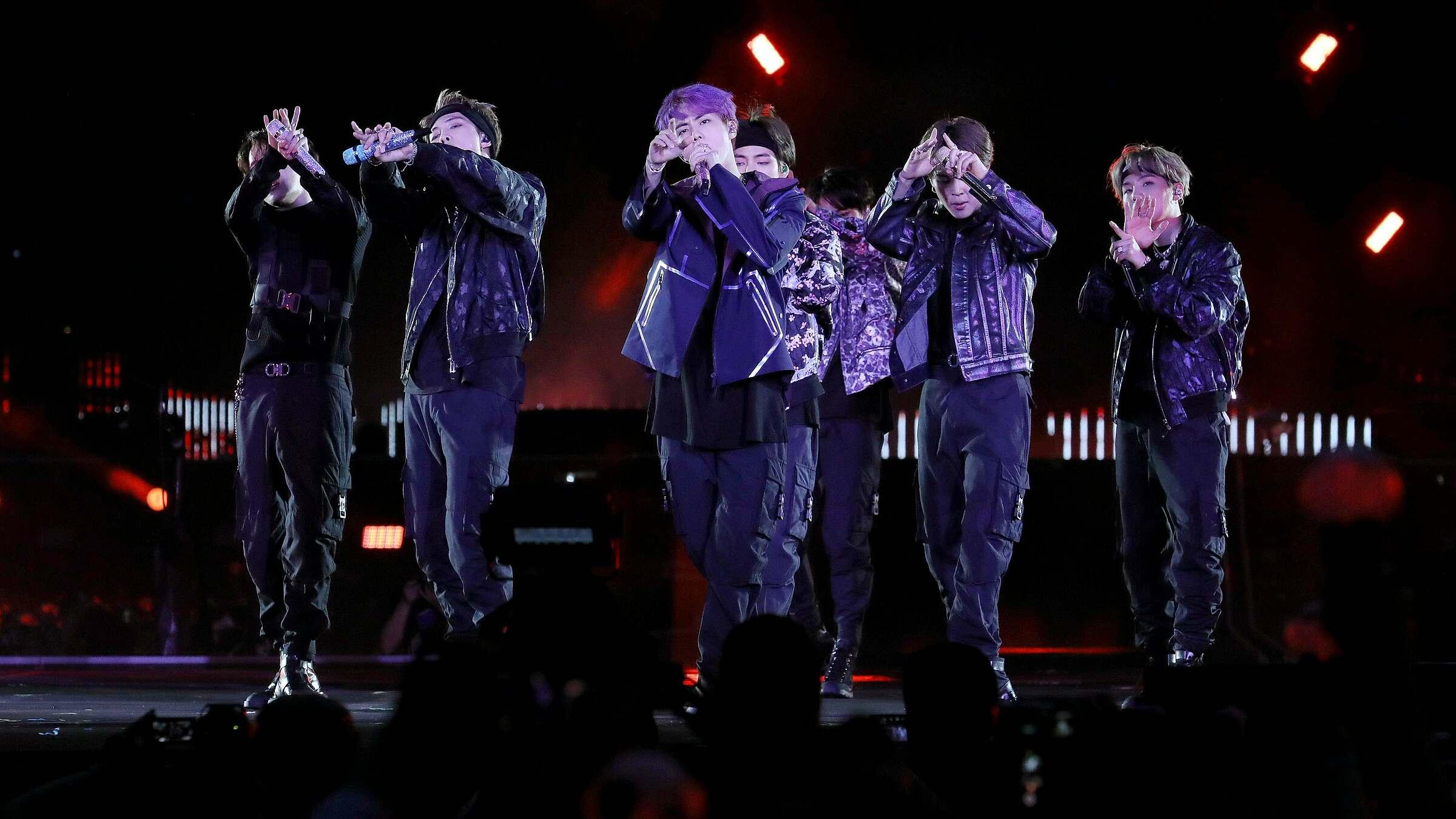 BTS được mời dự show Louis Vuitton, Black Pink - EXO bị cà khịa - 4
