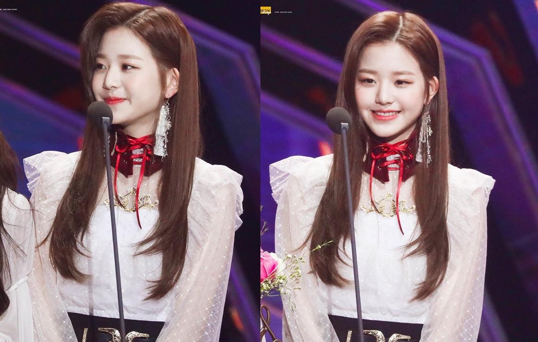 Jang Won Young trên bục nhận giải tại SMA 2019.